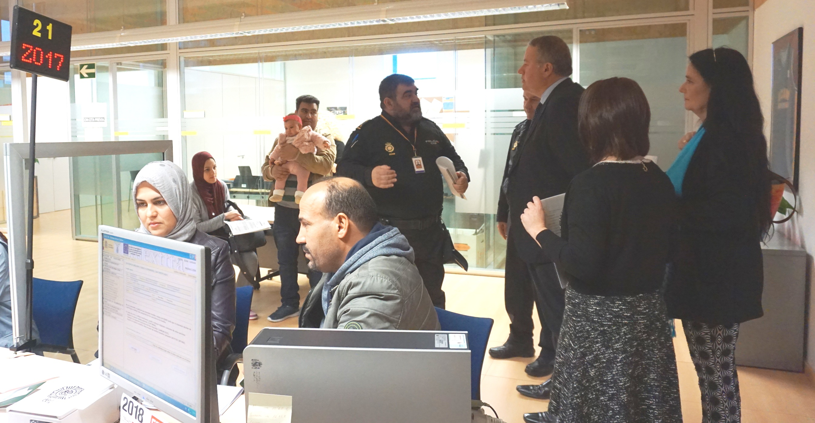 La oficina de extranjer a implantar la cita previa a for Oficina de treball cita previa
